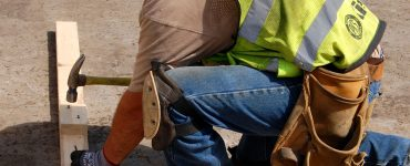 Best Knee Pad for Construction Workers