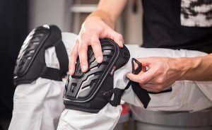 Top 8 Best Knee Pads For Tiling